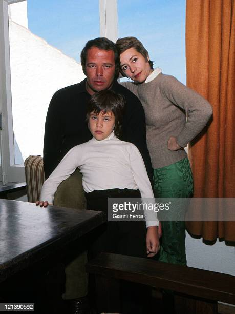 Renato Salvadori with his wife Annie Girardot and his daughter Giulia in Cadaques 13th October 1970 Girona Spain