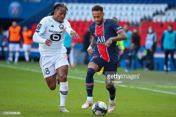 Renato Sanches of OSC Lille, Neymar of Paris Saint-Germain during the Ligue 1 match between Paris Saint-Germain and Lille OSC at Parc des Princes on...