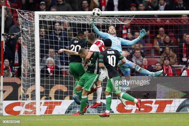 Renato Tapia of Feyenoord Sven van Beek of Feyenoord Klaas Jan Huntelaar of Ajax keeper Brad Jones of Feyenoord Tonny Vilhena of Feyenoord during the...