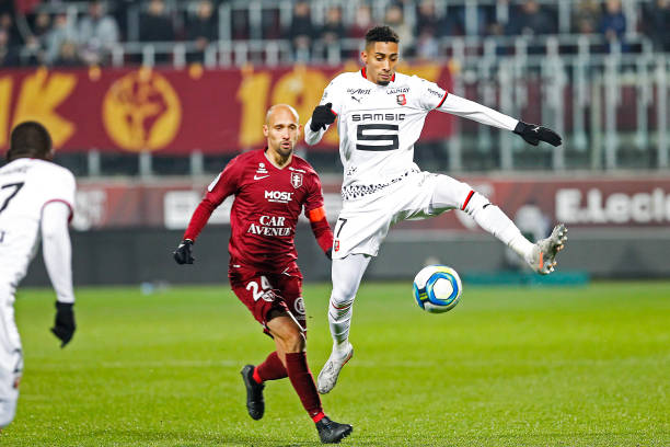 Championnat de France de football LIGUE 1 2018-2019-2020 - Page 33 Renaud-cohade-of-metz-and-raphinha-of-rennes-during-the-ligue-1-match-picture-id1186494614?k=6&m=1186494614&s=612x612&w=0&h=bKbVvT1lNXGSv8rYYtdk_bbJVd4qM5IgVdbgvTyVA-o=