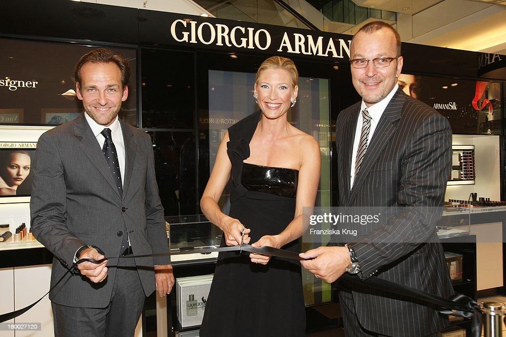 Giorgio Armani Crema Nera Cocktail Empfang Pictures   Getty Images