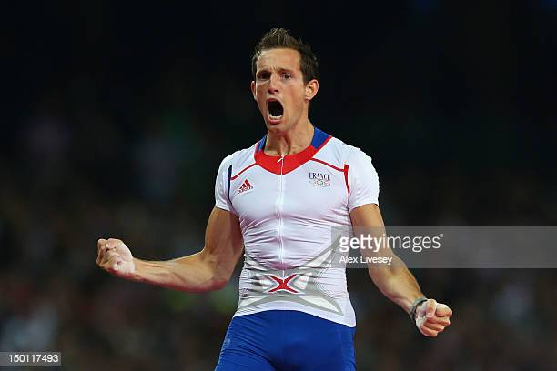 Renaud Lavillenie of France celebrates an attempt during the Men's Pole Vault Final on Day 14 of the London 2012 Olympic Games at Olympic Stadium on...
