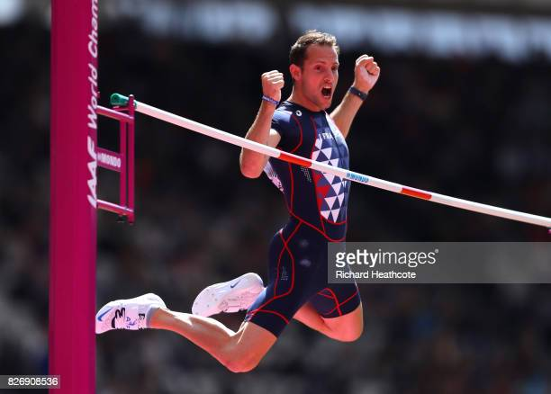 Renaud Lavillenie of France competes in the Men's Pole Vault qualification during day three of the 16th IAAF World Athletics Championships London...