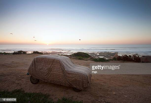 renault 4 at sunset - renault 4 stock photos and pictures