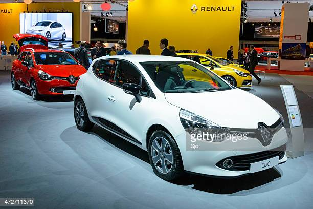 renault clio hatchback and clio estate cars - renault stock pictures, royalty-free photos & images