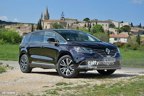 renault espace on the unmade road - renault stock pictures, royalty-free photos & images