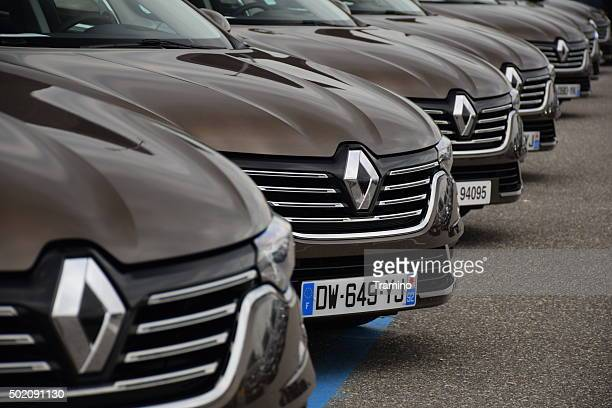 renault talisman cars on the parking - renault stock pictures, royalty-free photos & images