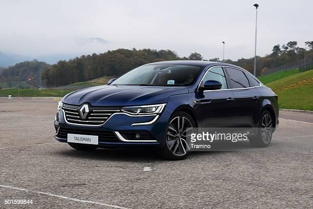 Renault Talisman in motion