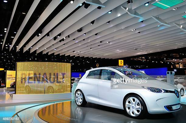 renault zoe preview concept - renault stock pictures, royalty-free photos & images