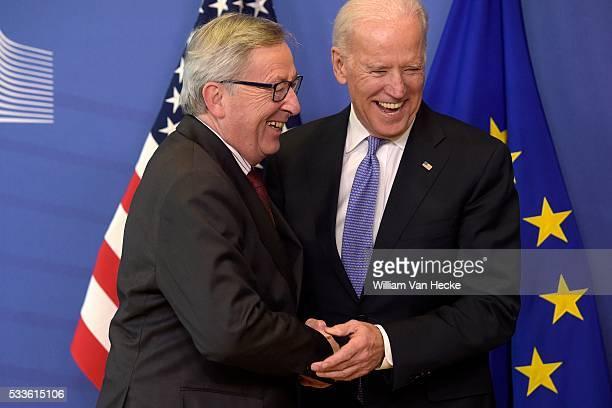 Rencontre entre le président de la Commission Européenne JeanClaude Juncker et le VicePrésident des États Unis Joe Biden Ontmoeting tussen voorzitter...