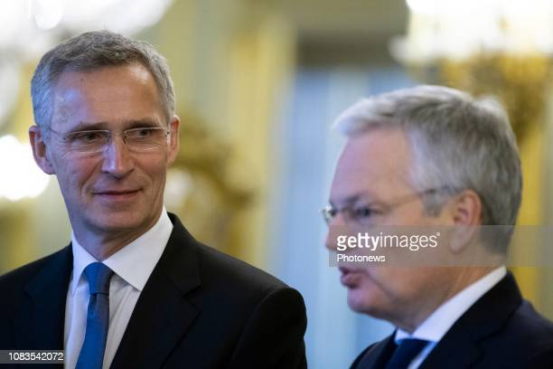 Rencontre entre le Roi la Reine le Secrétaire Général de l'OTAN et les représentants permanents les membres du secrétariat international et les...