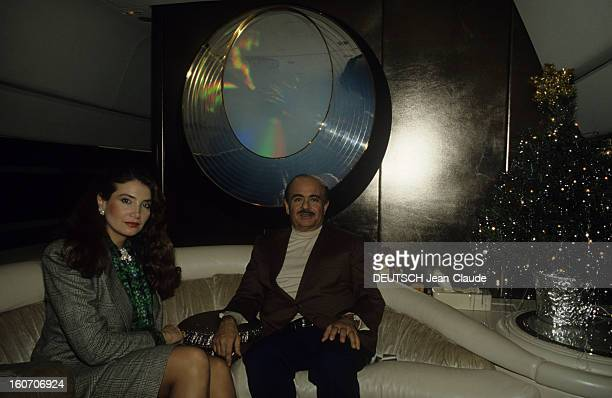 Rendezvous With Adnan Khashoggi In His Property In Marbella And In His Private Jet En Espagne à Marbella en décembre 1986 Adnan KHASHOGGI homme...