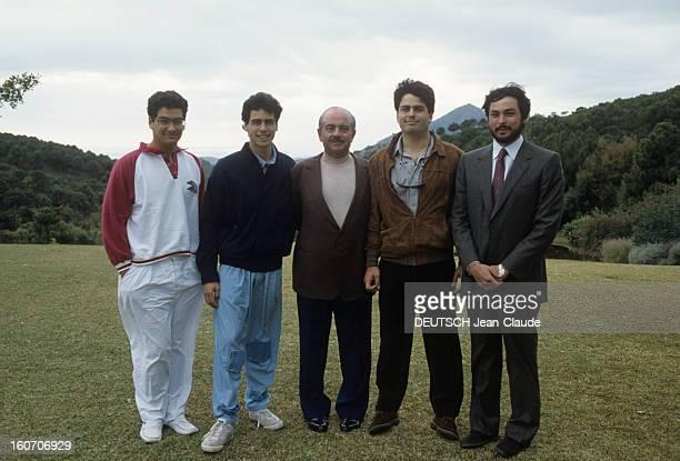 Rendezvous With Adnan Khashoggi In His Property In Marbella And In His Private Jet En Espagne à Marbella en décembre 1986 de gauche à droite ses fils...