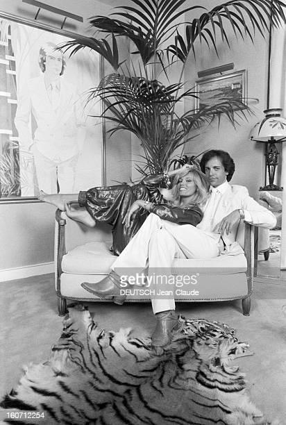 Rendezvous With Alainphilippe Malagnac And His Wife Amanda Lear Paris 25 mai 1979 Dans leur appartement de l'avenue d'Iéna portrait de AlainPhilippe...