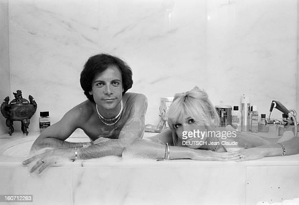 Rendezvous With Alainphilippe Malagnac And His Wife Amanda Lear Paris 25 mai 1979 Dans leur appartement de l'avenue d'Iéna portrait de Amanda LEAR et...