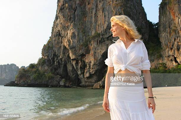 Rendezvous With Alice Taglioni In Thailand Alice TAGLIONI photographiée pendant le tournage du film 'Trésors' d'Alain BERBERIAN en THAILANDE attitude...