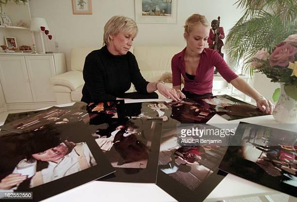 Rendezvous With Annette Dhotel Wife Of C Jerôme HautdeSeine mars 2000 Annette DHOTEL l'épouse du chanteur C JERÔME avec sa fille Caroline chez elle à...