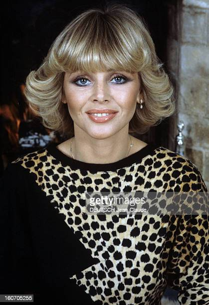 Rendezvous With Britt Ekland En janvier 1980 portrait de Britt EKLAND actrice alias Britt Marie EKLUND portant un vêtement en peau de léopard chez...