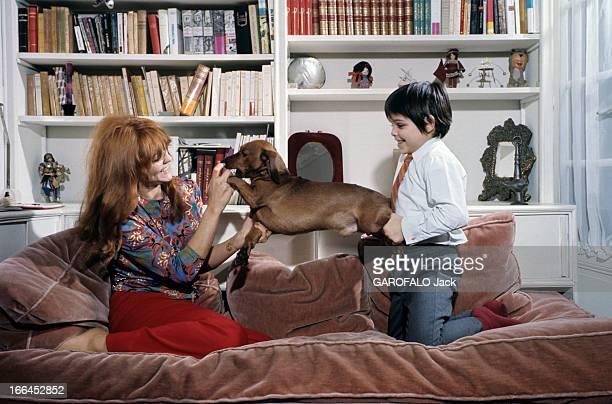Rendezvous With Catherine Rouvel Paris mars 1969 Chez elle dans son salon rue Lamarck à l'occasion de son rôle dans 'Fanny' l'actrice Cathrine ROUVEL...