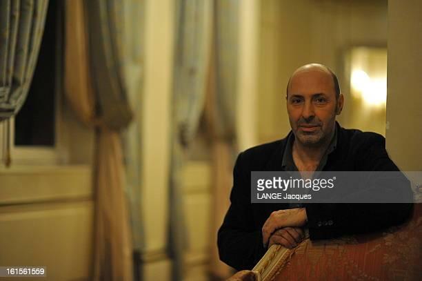 Rendezvous With Cedric Klapisch Plan moyen du réalisateur Cédric KAPLISCH à la veille de la sortie de son dernier film 'Paris'