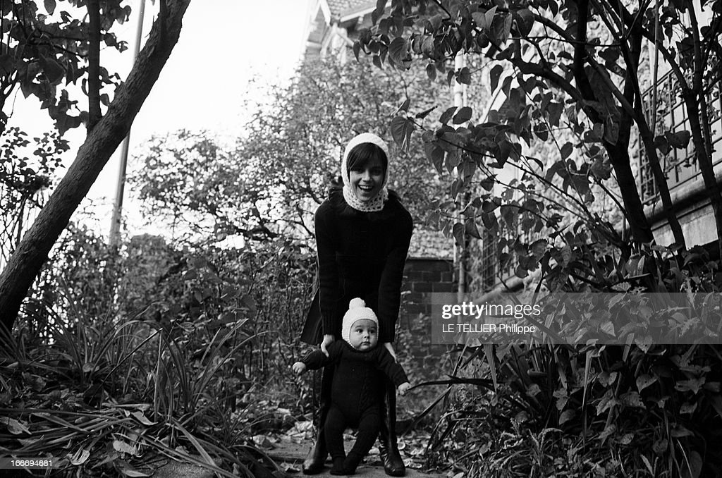 Rendezvous With Chantal Goya And Her Son Jean-Paul Debout Pictures ...