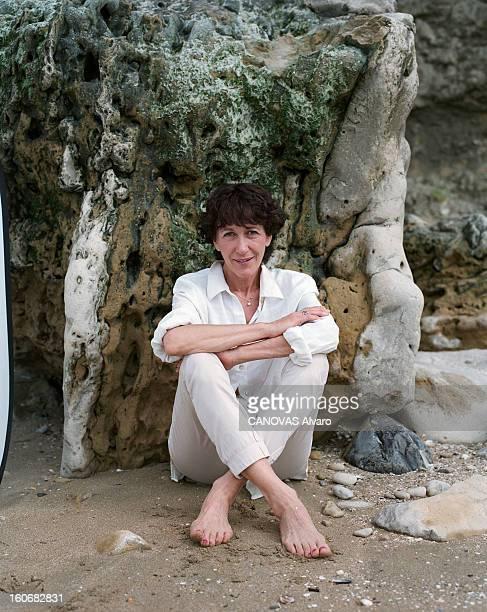 Rendezvous With Christine Deviers-joncour On The Beach In Trouville. A Trouville, en mai 1999, à l'occasion de la publication de son roman 'Relation...
