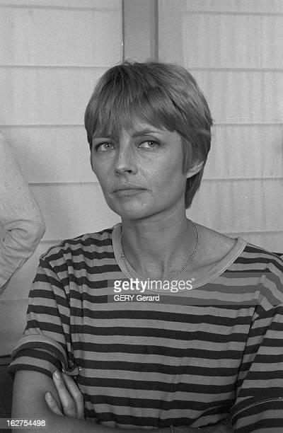 Rendezvous With Claire Bretecher France 28 juin 1980 Portrait de la dessinatrice et scénariste de bandes dessinées Claire BRETECHER chez elle lors...