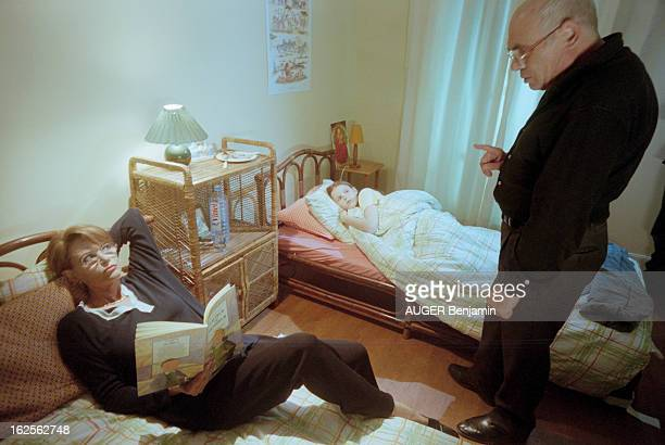 Rendezvous With Claudia Cardinale And Companion Pasquale Squitieri In Paris Paris 29 avril 1998 Chez elle dans une chambre portrait de Claudia...