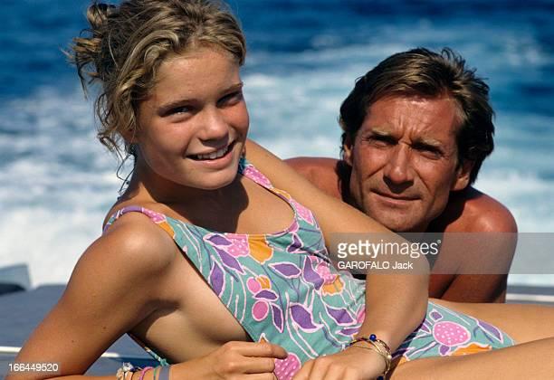 Rendezvous With Daniel Biasini And His Daughter Sarah In SaintTropez En France à SaintTropez le 7 aout 1989 durant les vacances d'été Daniel BIASINI...
