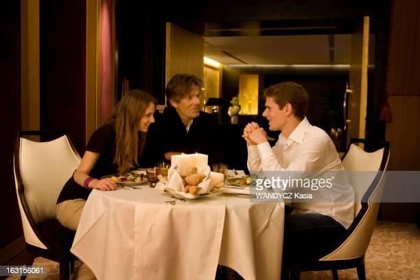 Rendezvous With Dominique Desseigne Paris Septembre 2008 Dominique DESSEIGNE 62 ans dîne avec ses enfants Joy 18 ans et Alexandre 21 ans dans la...