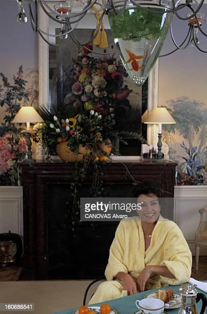 Rendezvous With Dominique Feraud And Companion Francois février 1996 A l'occasion de la première collection hautecouture portrait de Dominique FERAUD...