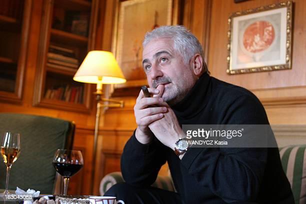 Rendezvous With Dominique Loiseau In HotelRestaurant La Cote D'Or In Saulieu Attitude de Guy SAVOY cigare à la main devant un verre de vin rouge dans...
