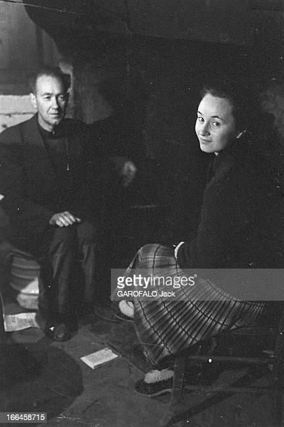 Rendezvous With Eliezer And Sonia Fournier France Jassay 10 avril 1958 l'écrivain Eliezer FOURNIER retrouve sa petitefille Sonia dans sa maison de...