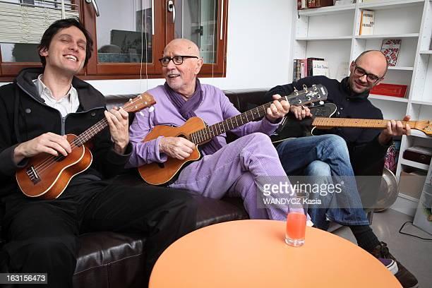 Rendezvous With Eric Charden BoulogneBillancourt France 1er décembre 2011 Eric CHARDEN chez lui en famille dans sa maison de Boulogne A 69 ans le...