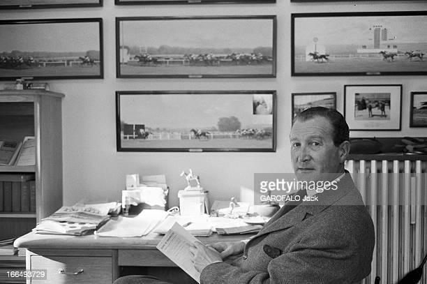Rendezvous With Etienne Pollet France Chantilly 4 juillet 1963 l'entraineur Etienne POLLET a été désigné 'l'homme de l'année' par les turfistes suite...
