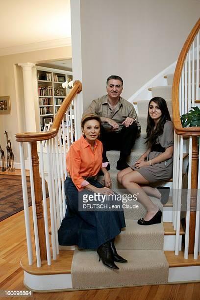 Rendezvous With Farah Diba And Reza Pahlavi In United States La famille impériale d'Iran en exil aux EtatsUnis Dans la maison de l'impératice près de...