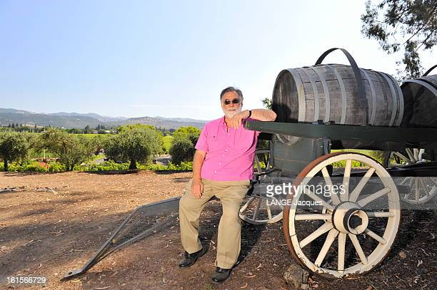 Rendezvous With Francis Ford Coppola In His Inglenook Property In The Napa Valley Rutherford 15 juillet 2011 Francis Ford COPPOLA posant au milieu de...