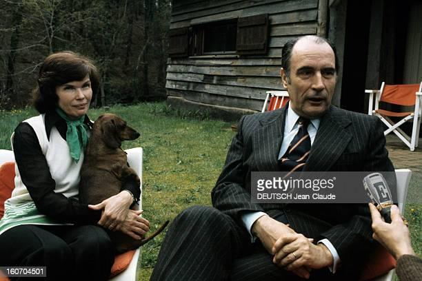 Rendezvous With Francois Mitterrand With Family In Latche A Latche en avril 1974 à l'occasion de la campagne pour les élections présidentielles dans...