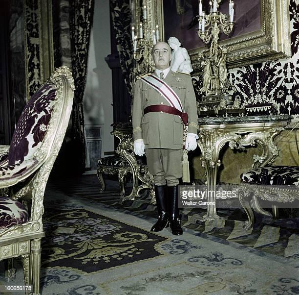 Rendezvous With General Franco And His Wife Dona Carmen Madrid Palais du Pardo février 1951 portrait du Général FRANCO en tenu de généralissime...