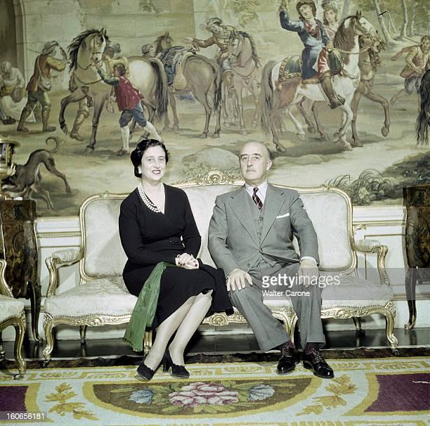 Rendezvous With General Franco And His Wife Dona Carmen Madrid Palais du Pardo février 1951 portrait du Général FRANCO et Dona Carmen FRANCO assis...