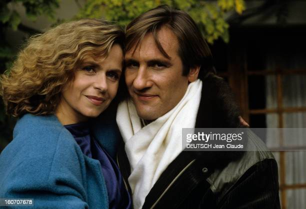 Rendezvous With Gerard Depardieu And His Wife Elisabeth At Home In Bougival. Bougival- 22 octobre 1985- Portrait de Gérard DEPARDIEU et de son épouse...