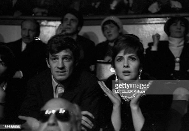 Rendezvous With Gina Lollobrigida And JeanPaul Belmondo Le 4 janvier 1963 assis côte à côte JeanPaul BELMONDO et Gina LOLLOBRIGIDA faisant des gestes...
