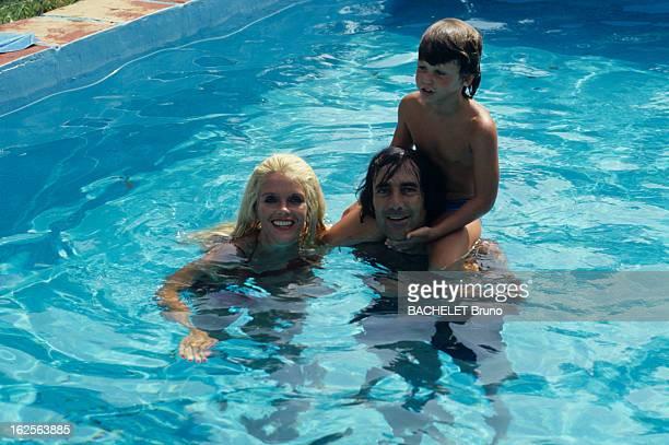 Rendezvous With Gunilla Von Bismarck Marbella Août 1985 Chez elle Gunilla VON BISMARCK arrière petite fille d' Otto VON BISMARCK se baignant avec son...