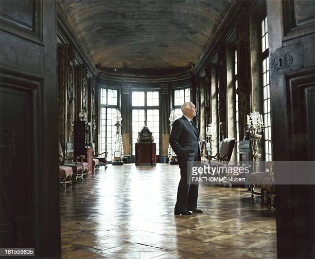 Rendezvous With Guy De Rothschild At Home Guy de Rothschild in his mansion the Hotel Lambert on the Ile SaintLouis in Paris profile plane hands in...