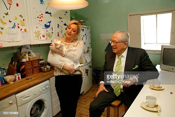 Rendezvous With JeanMarie Le Pen And His Daughter Marine Attitude souriante de JeanMarie LE PEN assis auprès de sa fille Marine un chat dans les bras...