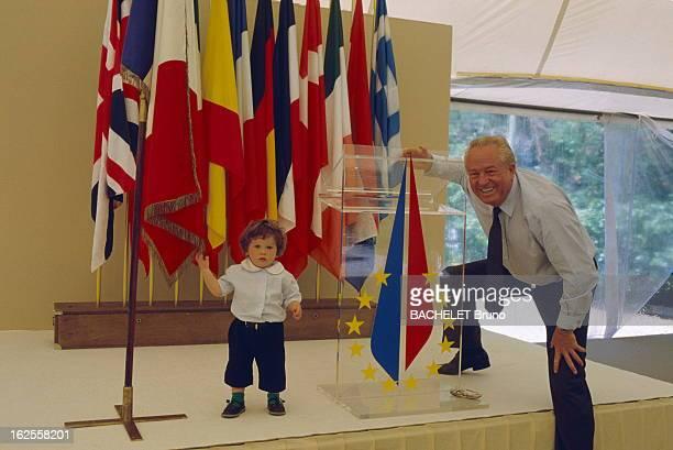 Rendezvous With JeanMarie Le Pen Jean Marie LE PEN avec son petit fils Quentin