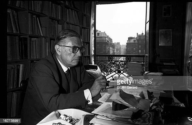 Rendezvous with jean paul sartre pictures getty images for Assis a la fenetre