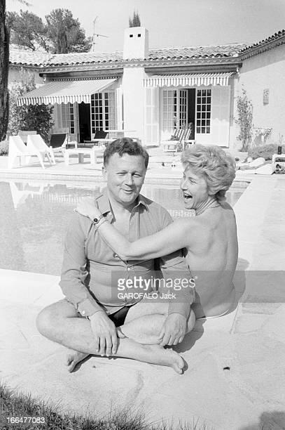 Rendezvous With Journalist Philippe Bouvard And His Wife En France le 05 avril 1982 le journaliste humoriste présentateur de télévision et de radio...