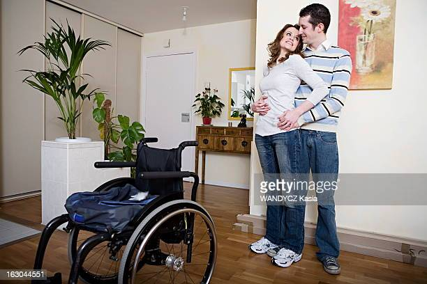 Rendezvous With Julie Garric Julie Garric 24ans paraplegique qui se met a marcher grace a une methode russePhotographiée chez elle à Garenne Colombes...