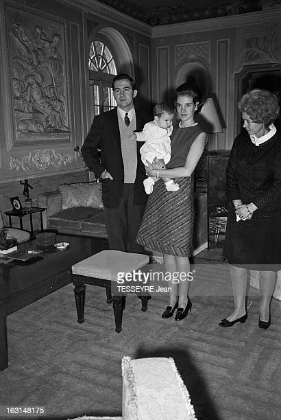 Rendezvous With King Constantine Ii Of Greece And Queen Anne Marie Of Greece With Their Children In Exile In Rome En Italie en décembre 1967 En exil...